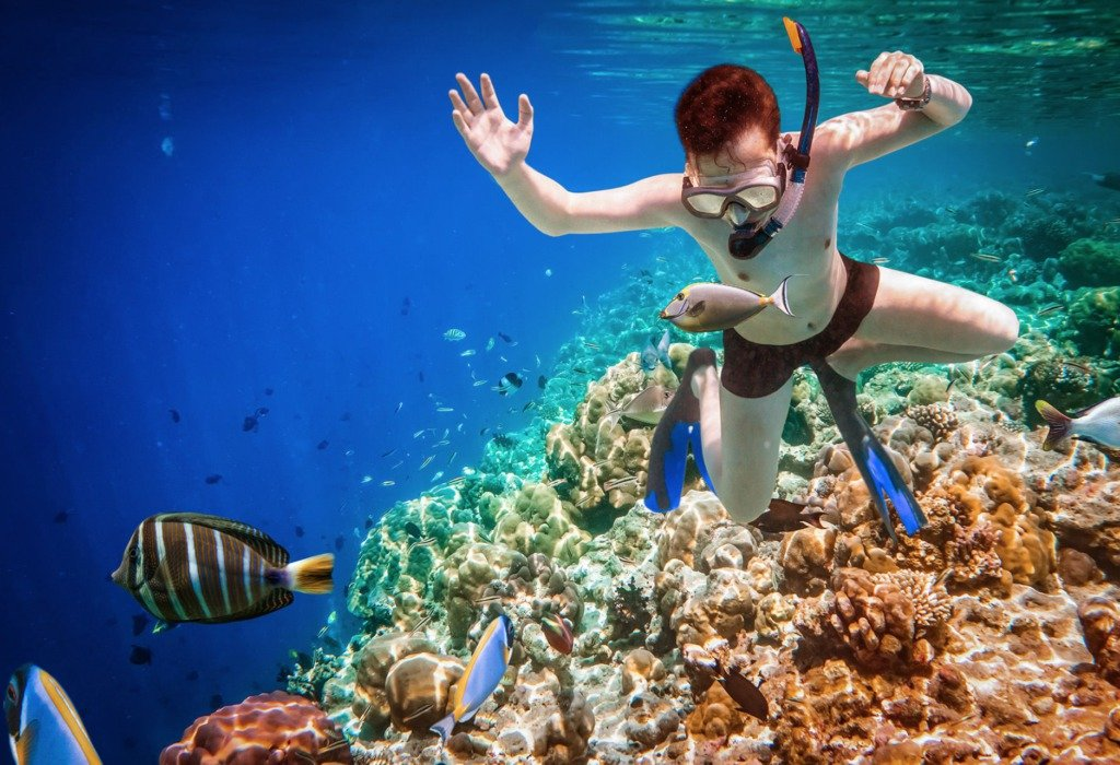 Best Snorkeling in the World: The Maldives #travelclans #snorkel #snorkeling #maldives #seekmoments  #postcardsfromtheworld #photographyislifee #getoutstayout #optoutside #beachbum #tropicalisland #lovetheocean #foreversummer