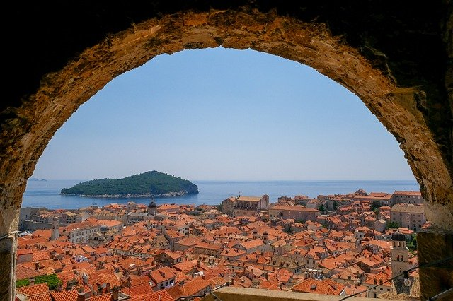 Where was Game of Thrones filmed? Answer: Dubrovnik, Croatio