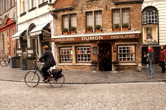 Chocolate Tasting Tour #travelclans #Brussels #ChocoStory #ThingstoDo