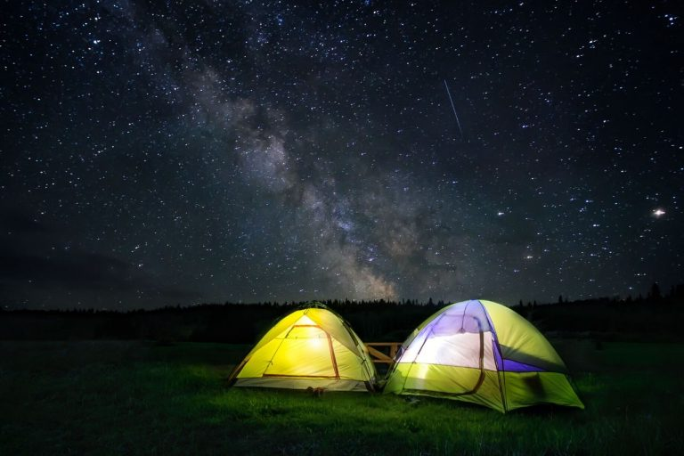 Stargazing Staycation idea #travelclans #staycation