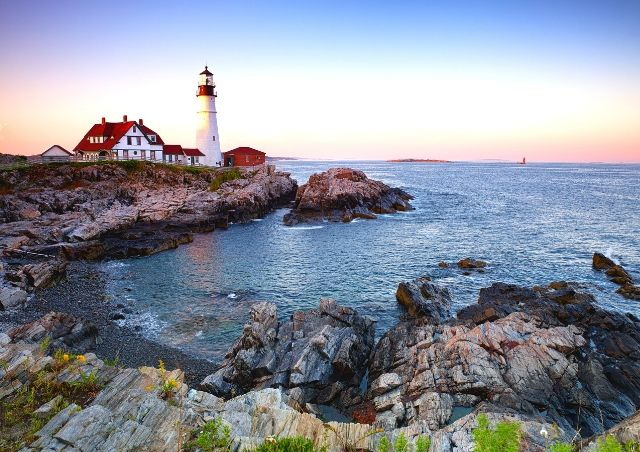 East Coast Destinations #10 - The Iconic Head Light in Portland, Maine #travelclans #eastcoast #Maine