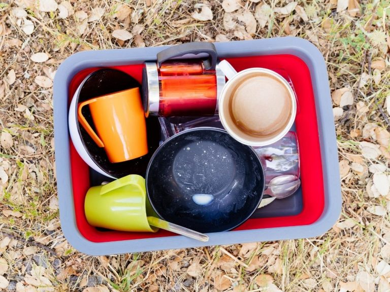 Camping Gear Essentials - Cups & utentils
