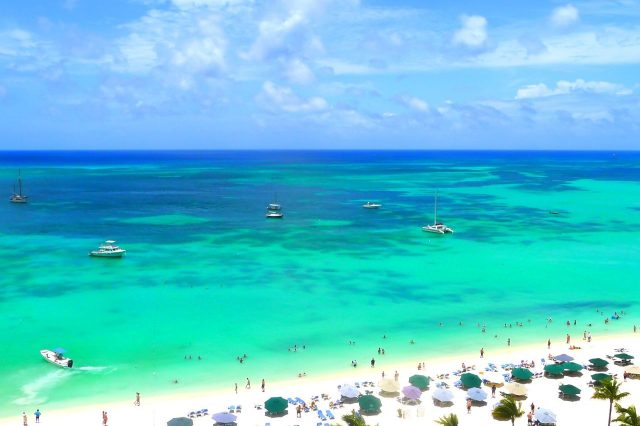 Palm Beach, the most famous beach in Aruba #travelclans #beaches #caribbean
