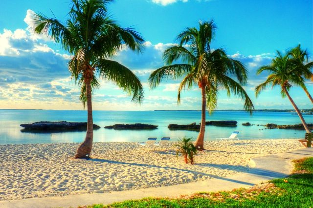 The tropical islands of the Bahamas is one of the top 10 best caribbean islands to visit #travelclans #beaches #caribbean